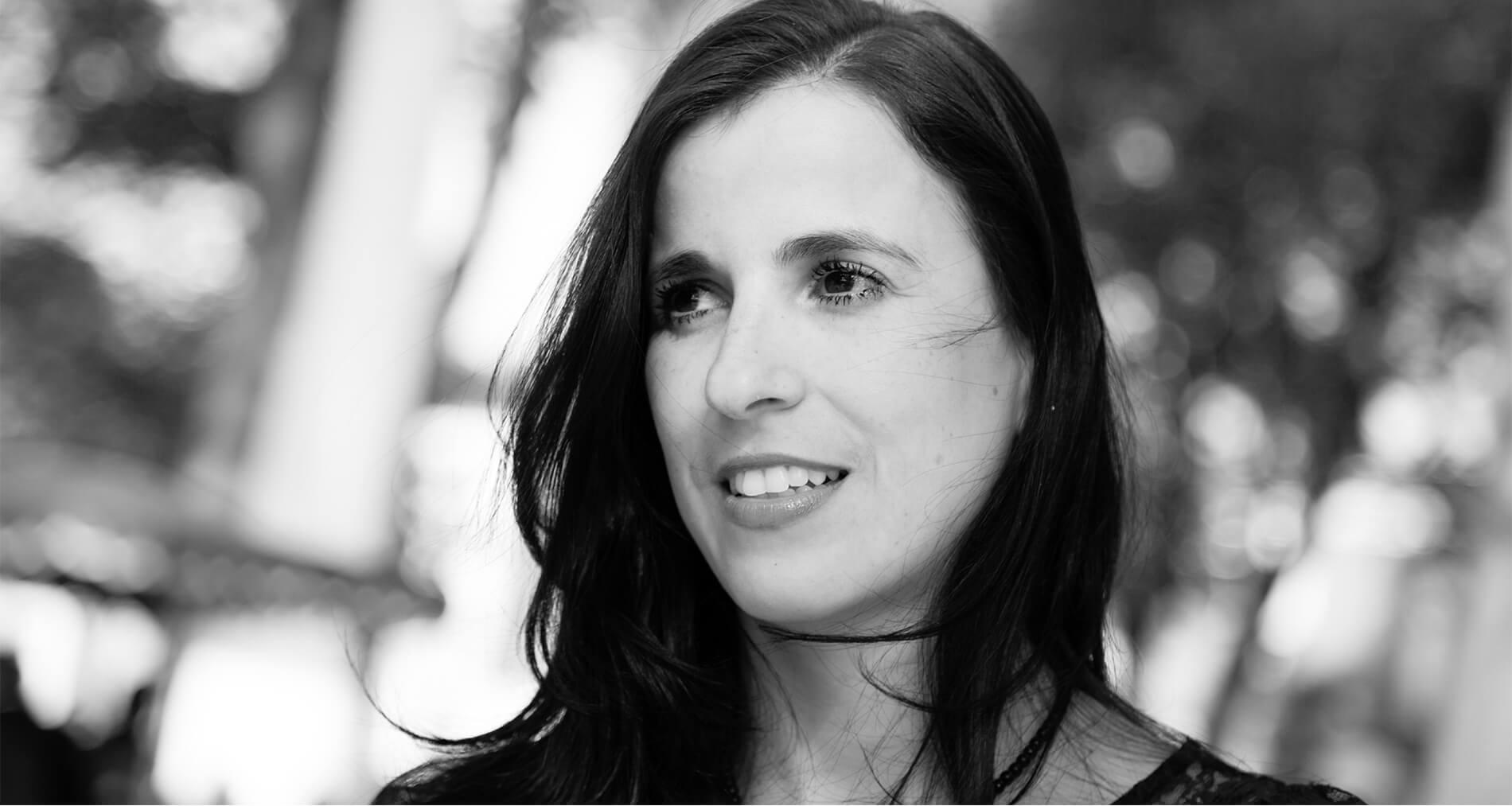 """Entrevista Gabriela Guerra Rey: """"Bahía de Sal es el realismo absurdo que existe en muchos pueblos del mundo"""""""