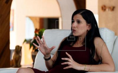 Gabriela Guerra Rey, una escritora con un hacha que corta el mar helado